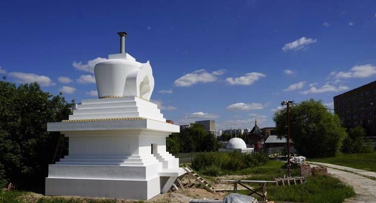 Первую буддистскую ступу Просветления освятили в столицеРФ