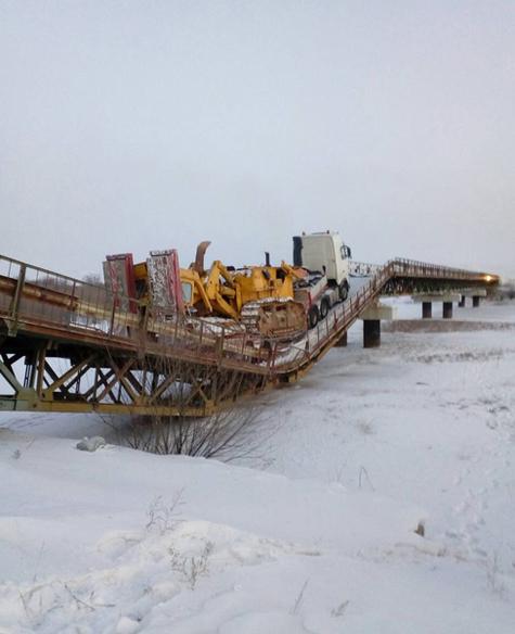 ВБурятии мост рухнул под 70-тонным тягачом